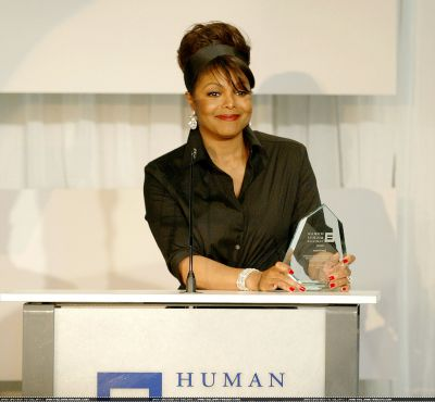 normal_Human_Rights_Campaign_Gala_Honors_Janet_June_18_2005_(144).jpg